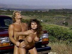 Rubia en el sol porno mexicano amateur de acuerdo con la almohada.